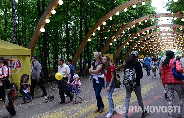 Воскресный отдых в парке Сокольники