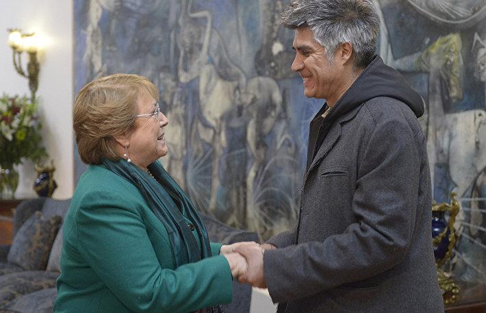 Алехандро Аравена (справа)