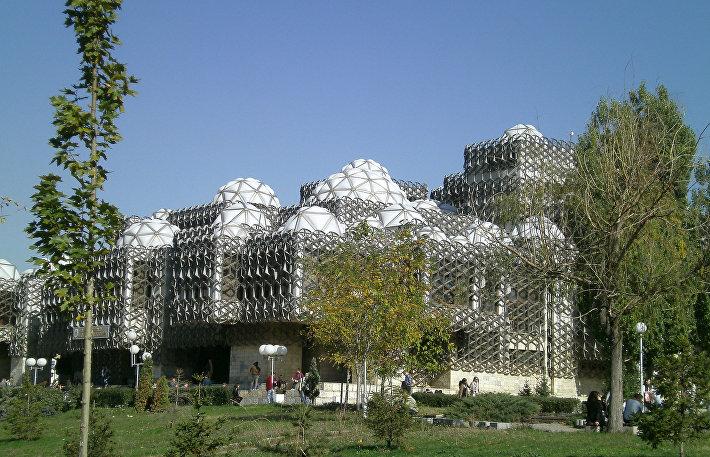 Библиотека в Приштине (Косово)
