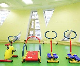 Спортзал в детском садике, адаптированном для детей с ограниченными возможностями