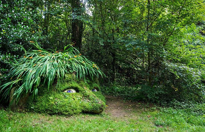 Скульптура в Затерянных садах Хелига