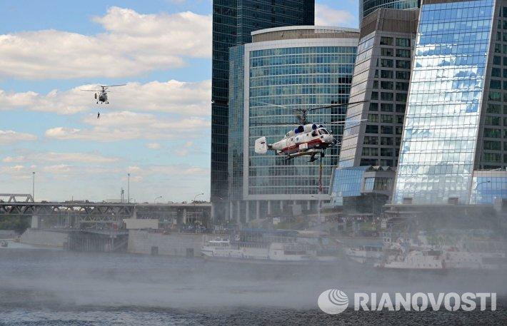 Учения МЧС на мосту Багратион в Москве