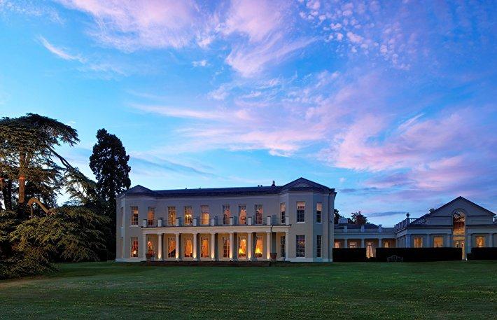 Woolmers Park Estate