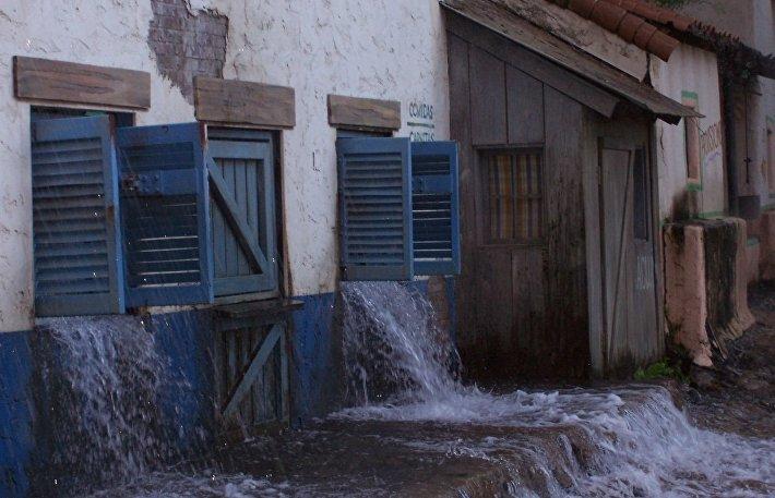 Инсценировка потопа в бутафорском городе Universal Studios