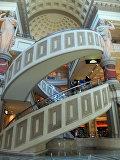 Спиральный эскалатор в отеле Caesar's Palace в Лас-Вегасе