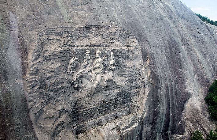 Скульптура на одной из гор Аппалачей – Стоун-Маунтин