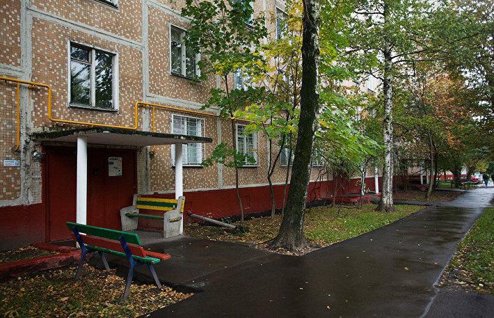 Панельная пятиэтажка по адресу Пулковская улица, дом 15, корпус 1