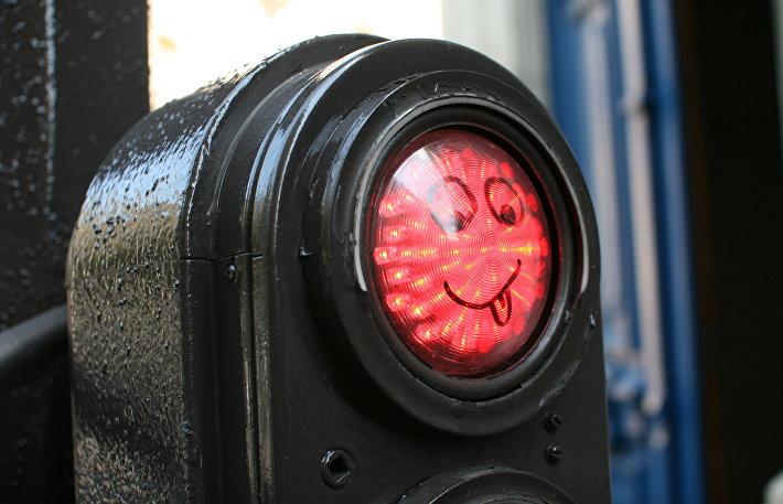 Тонкий намек: необычные светофоры с двойным смыслом